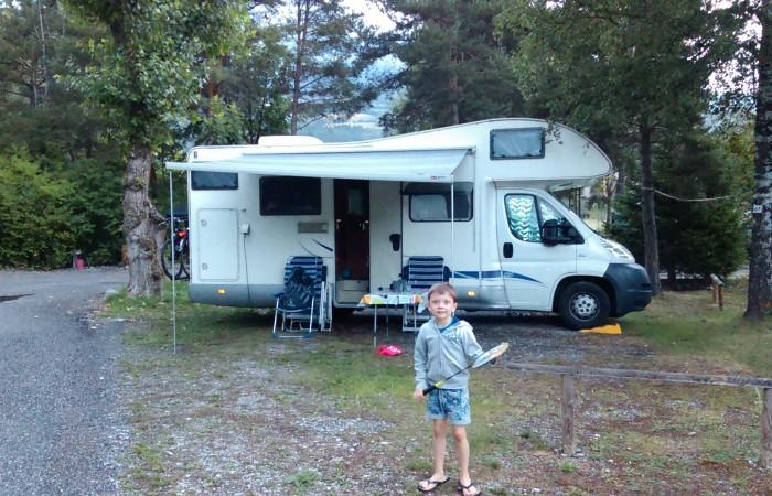 Groep D - camping setting.jpg