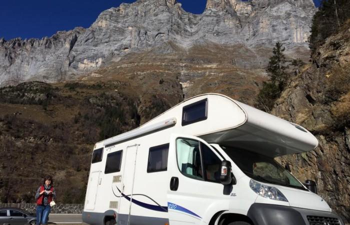 Groep D camper bergen Italie.jpg